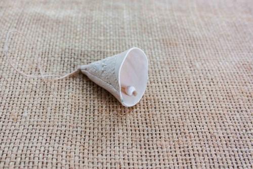 Clopotei din ceramica